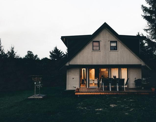 janiszewska-marta-blog-rudachata-doradca ds.nieruchomości-drewniany dom-dom podlasem-duże okna