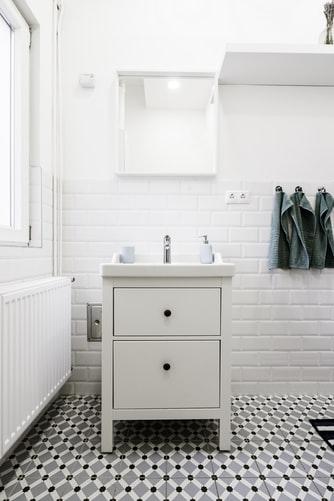 janiszewska-marta-blog-rudachata-metamorfoza łazienki-nowa podłoga-płytki winylowe