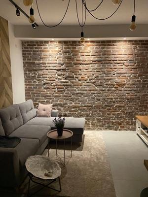 janiszewska marta-blog-jaminska.pl-remont wkamienicy-naturalna cegła-loftowy salon
