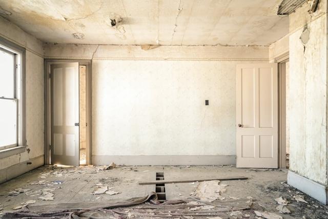janiszewska marta-blog-jaminska.pl-kupno domu zrynku wtornego-stare drzwi iokna