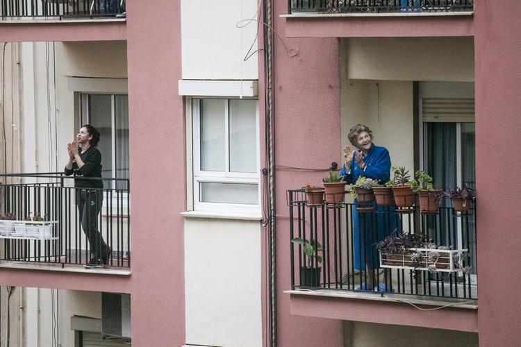 janiszewska marta-blog-suwałki-home staging-metamorfozy-nieruchomości-jak covid19 wpłynął narynek nieruchomości-domy idziałki