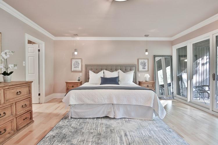 janiszewska marta-suwałki-nieruchomości-przytulna sypialnia-jak ją urządzić-kolory wsypialni-kolory ziemi wewnętrzach