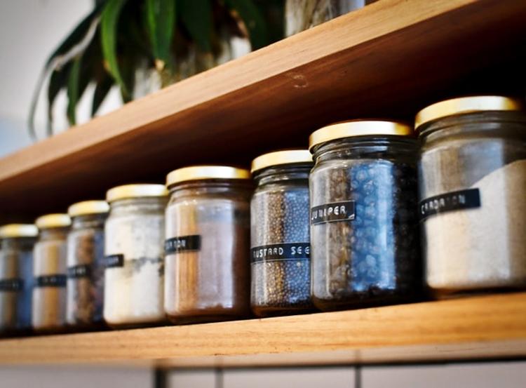 janiszewska marta-suwałki-wiosenne porządki które utrzymają się nadłuzej-spiżarnia-zapasy-przechowywanie-decluttering-organizacja domu