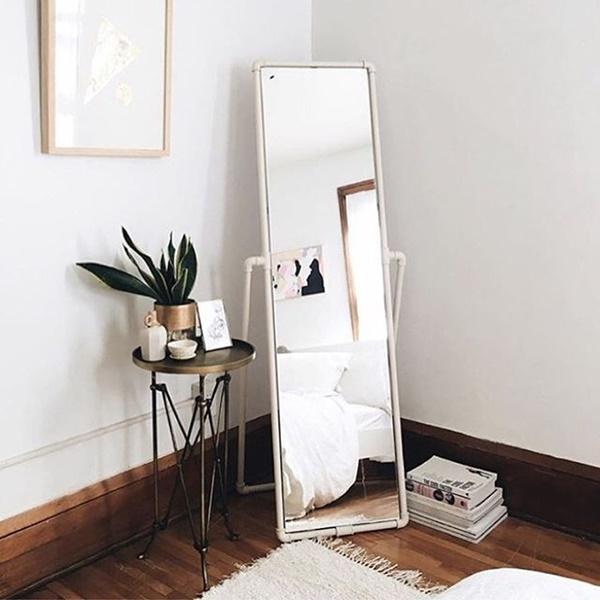 ruda chata-blog-funkcjonalna sypialnia-ergonomia wmieszkaniu-lustro wsypialni