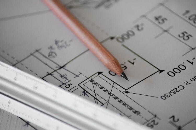 ruda chata-blog-poprawki deweloperskie-plany architektowniczne-ołówek
