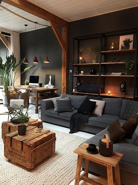 ruda chata-blog-styl industrialny-salon-biuro-czarne ściany wsalonie-belki wsalonie-metalowy regał