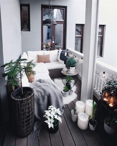 ruda chata-blog-jak stworzyc piekny balkon-deski kompozytowe nabalkonie